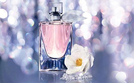echantillons de parfum la vie est belle florale de lanc me. Black Bedroom Furniture Sets. Home Design Ideas
