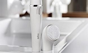 Test de l'épilateur-brosse Braun Face : 40 produits gratuits