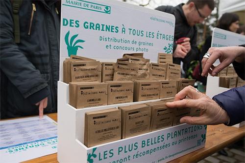 50'000 sachets de graines offerts par les mairies de Paris