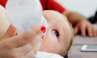 Rappel de laits infantiles 1er âge (Salmonelles) : 12 lots à éviter