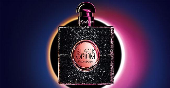 Recevez un échantillon gratuit de l'eau de parfum Black Opium