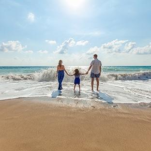 Chèques vacances offerts aux Français les plus modestes