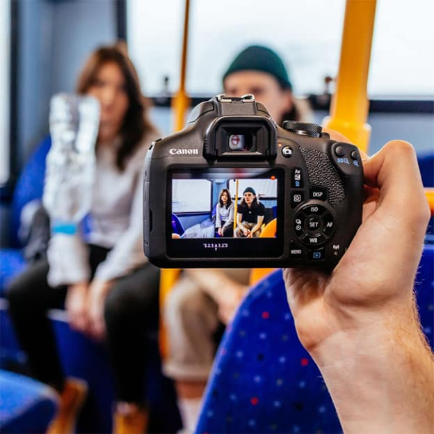 Jeu Rakuten : Appareil photo Reflex Canon à gagner