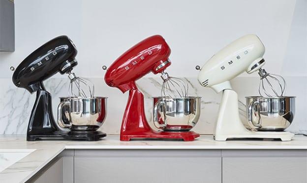 Jeu Logic Immo : Robot pâtissier SMEG à remporter